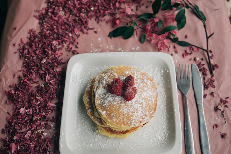Pancake Topped With Strawberries And Dust Of Powdered Sugar In White Square Ceramic Plate Free Public Domain Cc0 Image