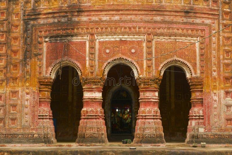 Pancharatna Govinda tempel i Puthia, Bangladesh fotografering för bildbyråer