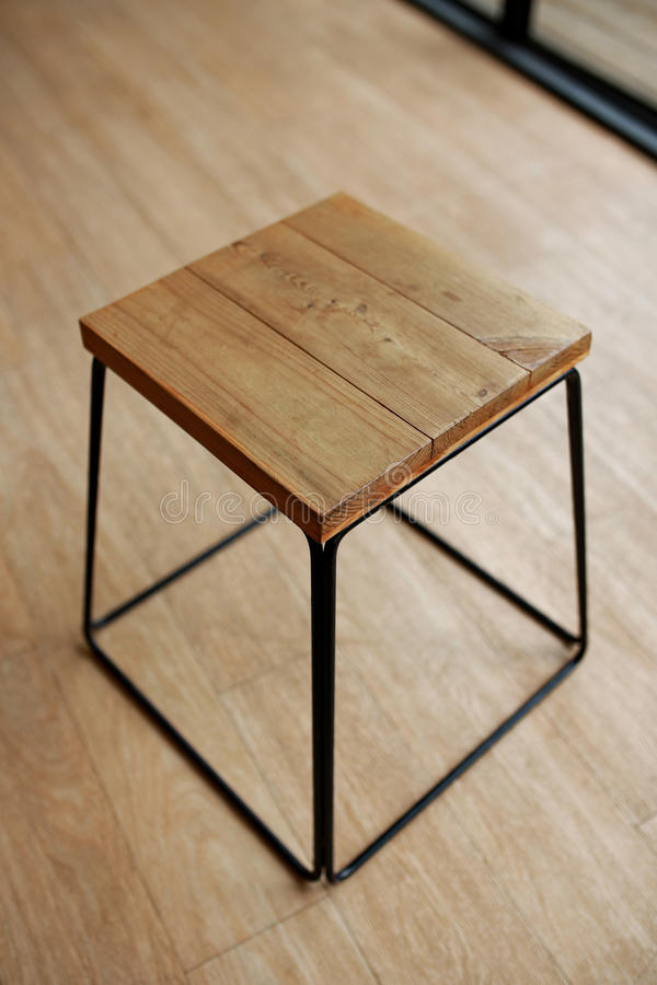 Panchetto di legno vuoto fotografia stock