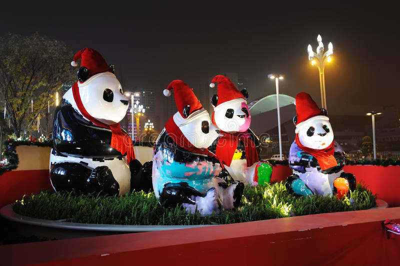 Panda με τα καπέλα Χριστουγέννων στοκ εικόνες