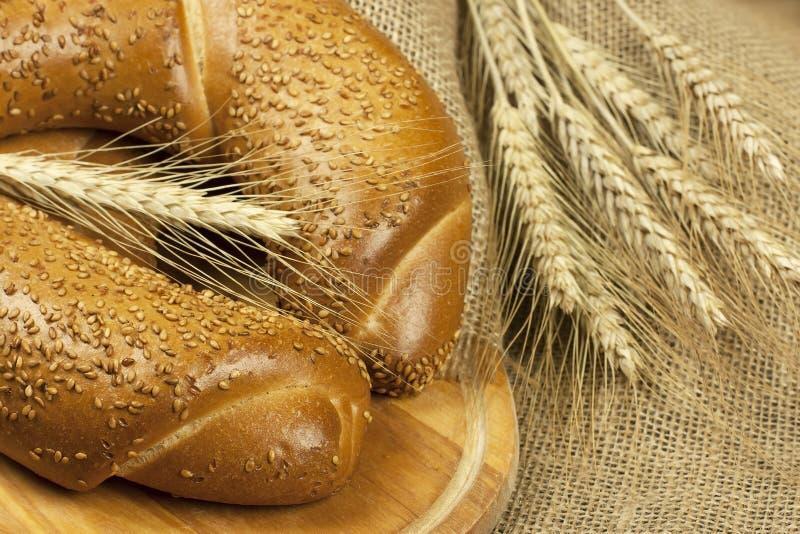 Pane bianco fresco con i semi fotografia stock