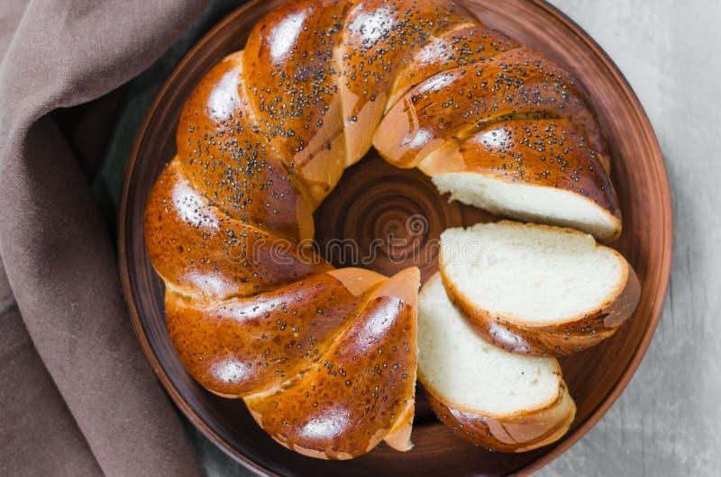 Pane casalingo di vimini Panino affettato grano dolce immagini stock