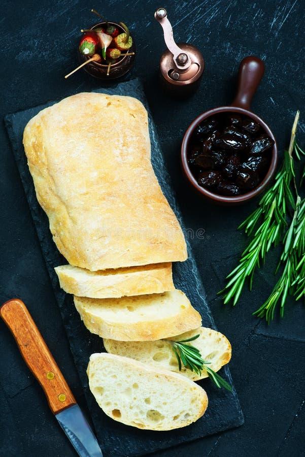 Pane con le olive fotografia stock