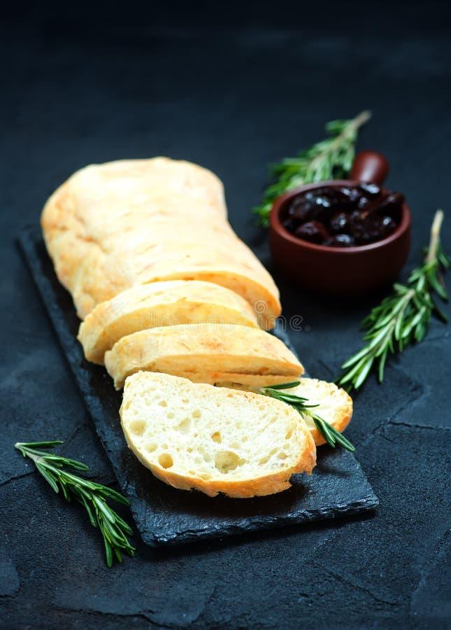 Pane con le olive immagine stock