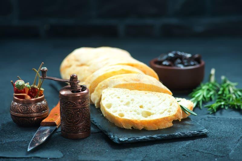 Pane con le olive immagini stock libere da diritti