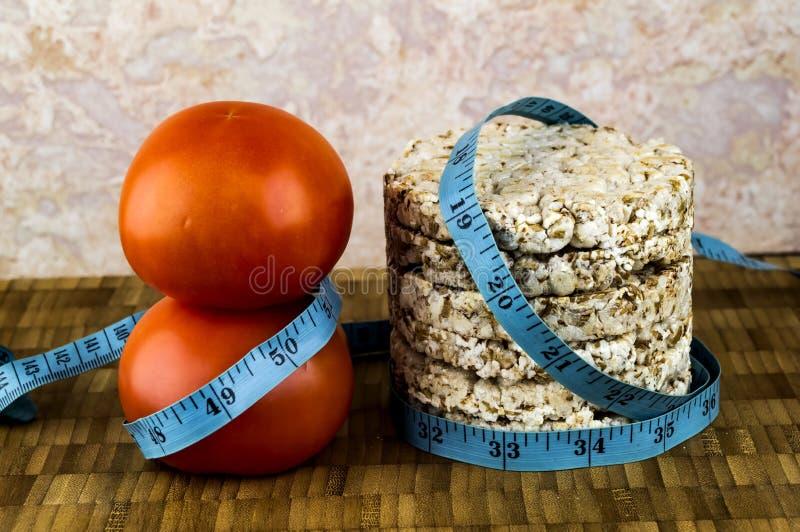 Pane croccante e pomodori immagine stock