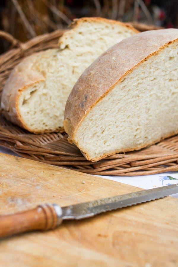 Pane di Freash sulla tavola fotografia stock libera da diritti