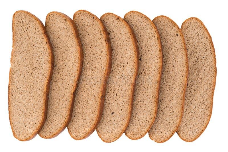 Pane di segale affettato fresco isolato sul ritaglio bianco del fondo fotografia stock libera da diritti