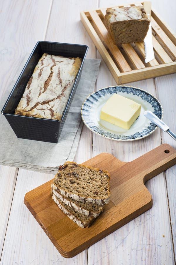 Pane e burro della segale fotografia stock