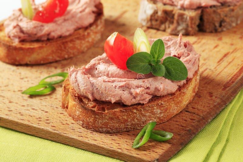 Pane e patè tostati immagini stock libere da diritti