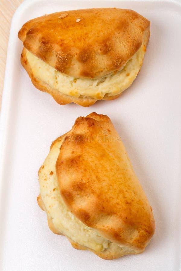 Pane riempito formaggio due immagine stock