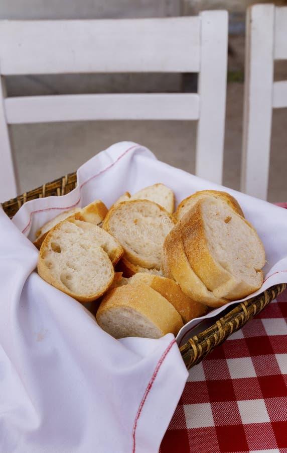 Pane sulla tavola, struttura del percalle fotografie stock libere da diritti
