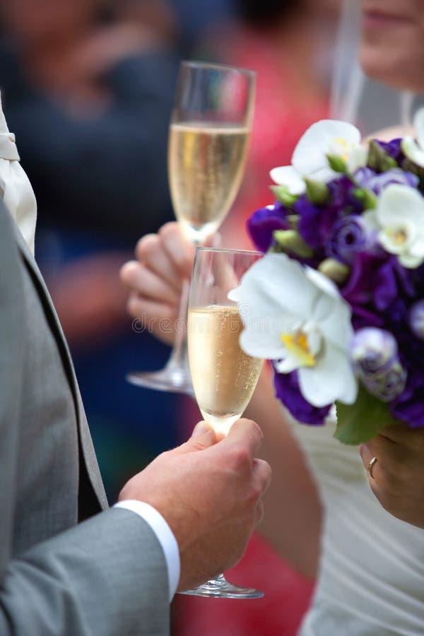Pane tostato del champagne di cerimonia nuziale fotografie stock libere da diritti