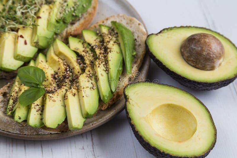 come perdere peso con semi di avocado