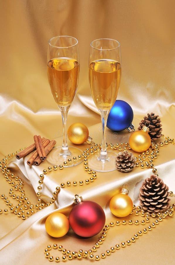 Download Pane tostato di Champagne immagine stock. Immagine di cono - 7310683
