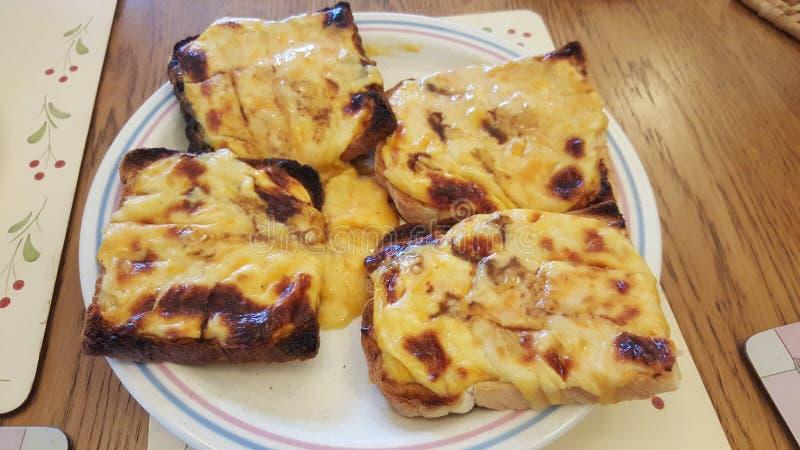 Pane tostato e formaggio fuso immagini stock libere da diritti