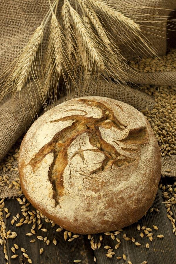 Pane tradizionale al forno fresco fotografia stock libera da diritti