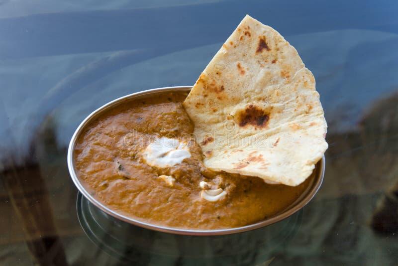 Paneer и карри сыра, индийская еда в шаре металла стоковые изображения