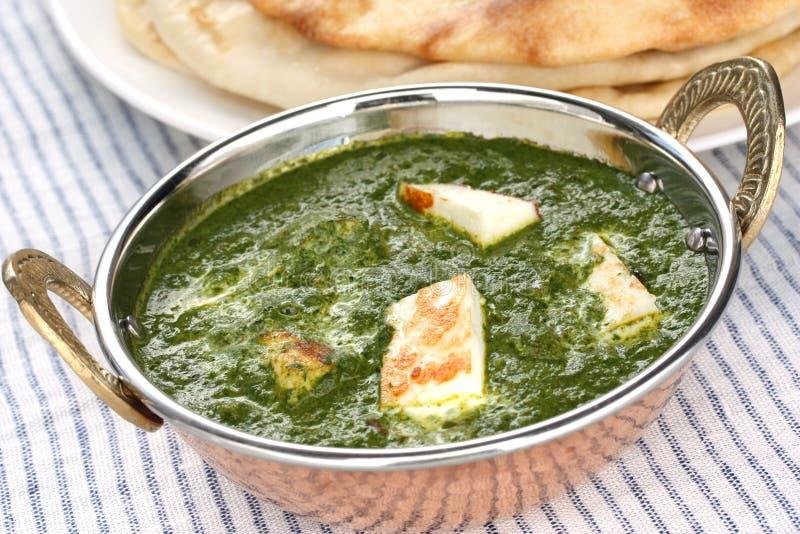 Paneer de Palak, espinafre e caril do queijo, f indiano imagem de stock royalty free