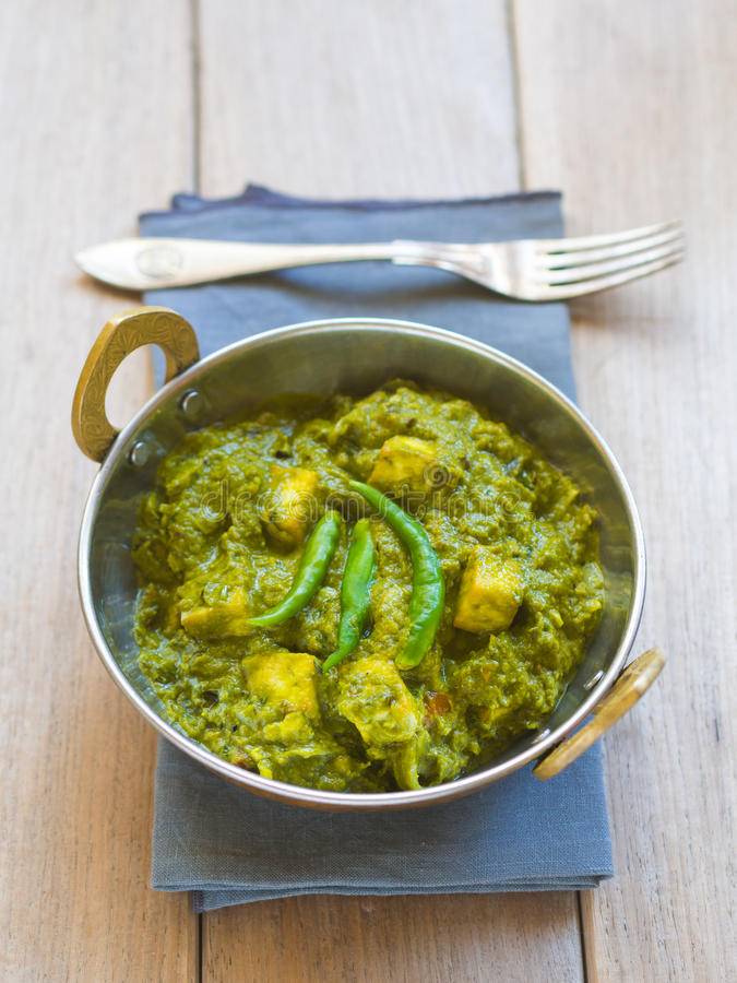 Paneer Palak (индийская кухня) стоковые фото