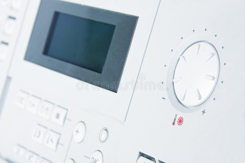 Panel de control de la caldera de gas foto de archivo