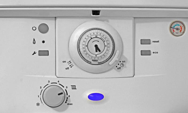 Panel de control de la caldera de gas fotos de archivo libres de regalías
