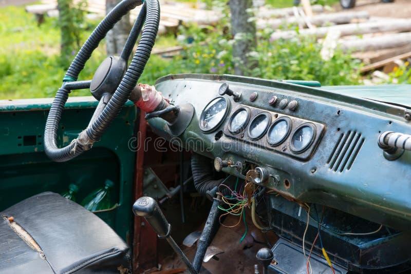 Panel de control del coche viejo imagen de archivo libre de regalías
