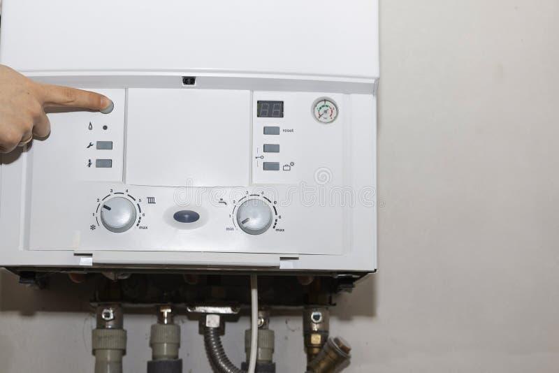 Panel de control de la caldera de gas para la agua caliente y la calefacción imagen de archivo