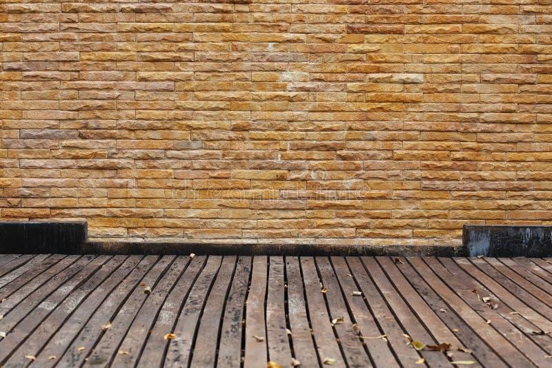 Panel för tegelstenvägg och trä royaltyfri fotografi