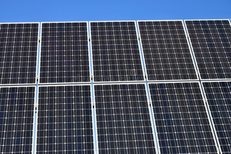 Panel słoneczny, photovoltaic, alternatywny elektryczności źródło, - selekcyjna ostrość, kopii przestrzeń obrazy royalty free