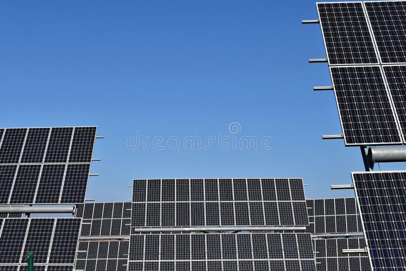 Panel słoneczny, photovoltaic, alternatywny elektryczności źródło, - selekcyjna ostrość, kopii przestrzeń zdjęcie royalty free