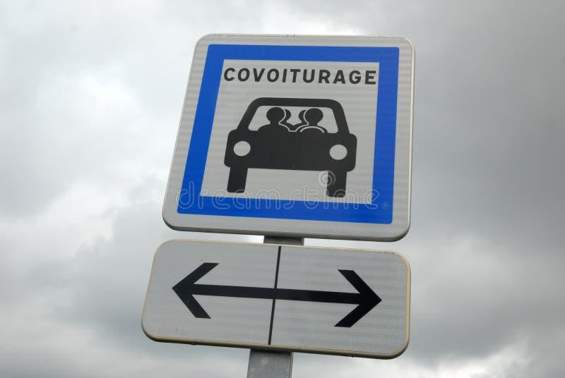 Panel w Francuskim parking rezerwującym dla carpooling royalty ilustracja