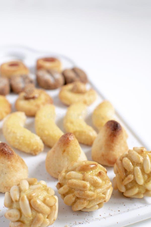 Panellets - типичный каталонский десерт марципана на весь день Святых стоковая фотография rf