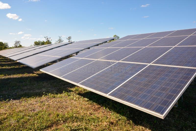 panels photovoltaic sol- royaltyfri bild