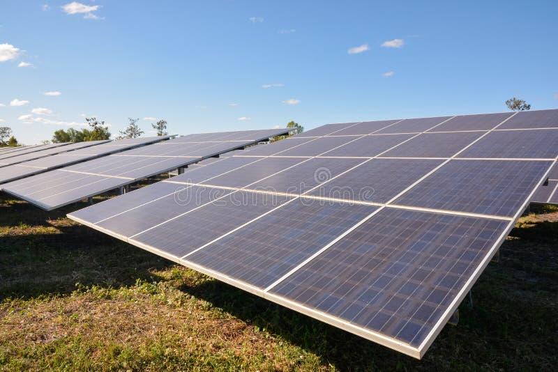 panels photovoltaic sol- arkivfoton
