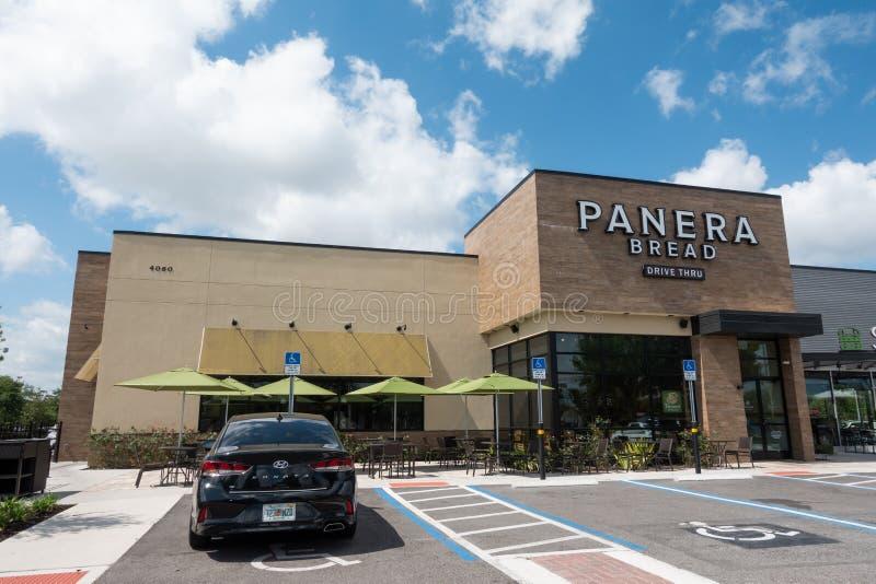 Panera Bread Company est un magasin à succursales multiples américain de boulangerie-CAF photo stock