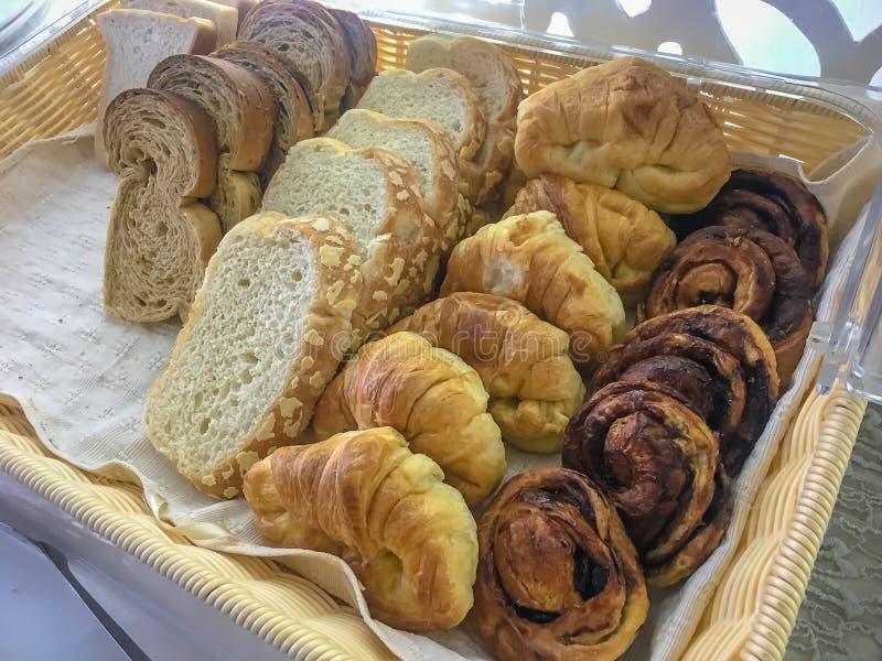 Panes, cruasán, chocolate del pan imagen de archivo libre de regalías