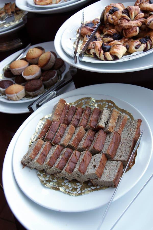 Panes en el desayuno de la comida fría imágenes de archivo libres de regalías