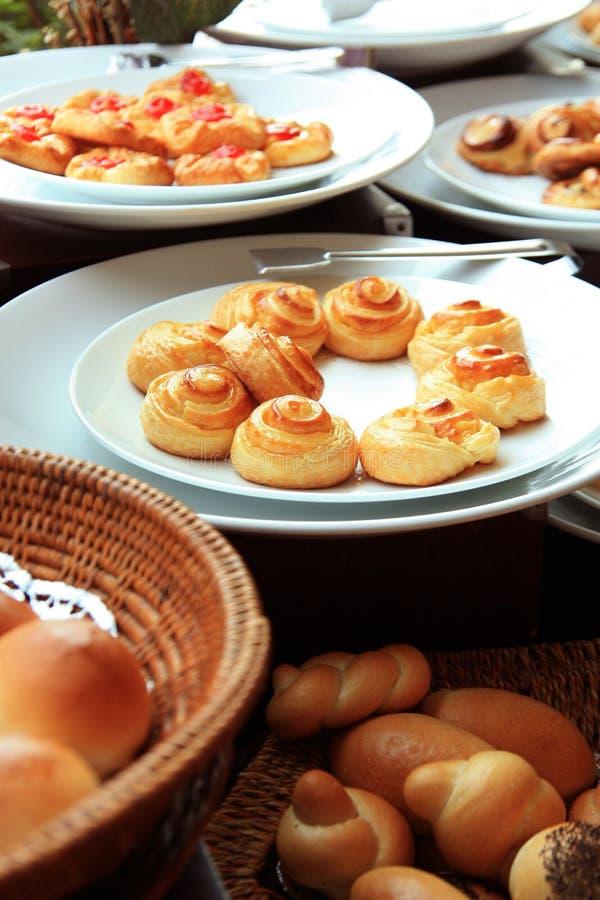 Panes en la comida fría fotografía de archivo