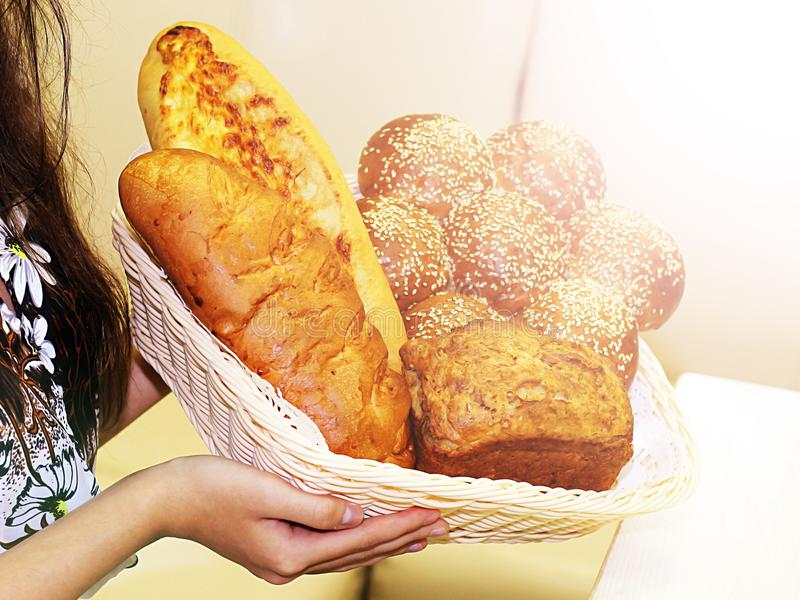 Panes y baguettes clasificados, comida foto de archivo libre de regalías