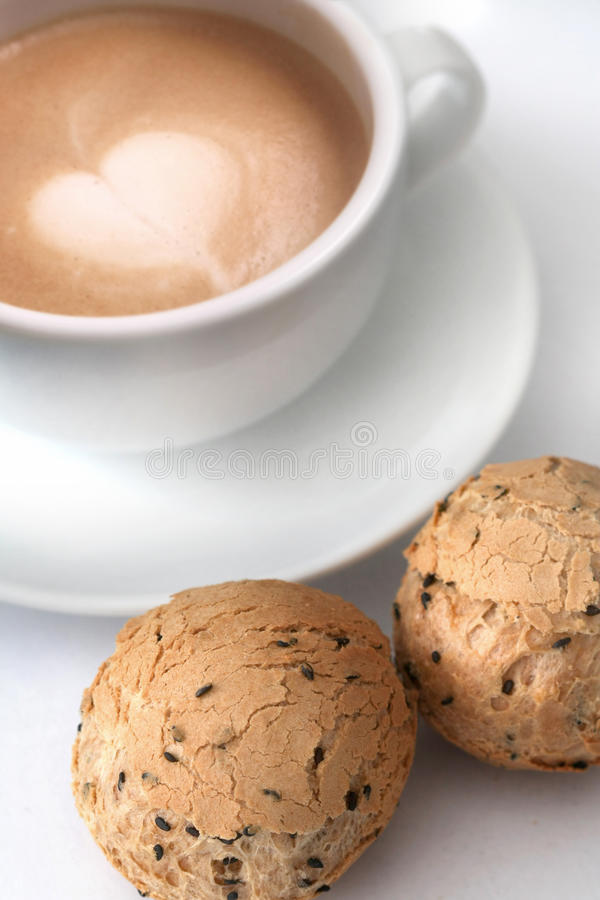 Café y panes fotografía de archivo libre de regalías
