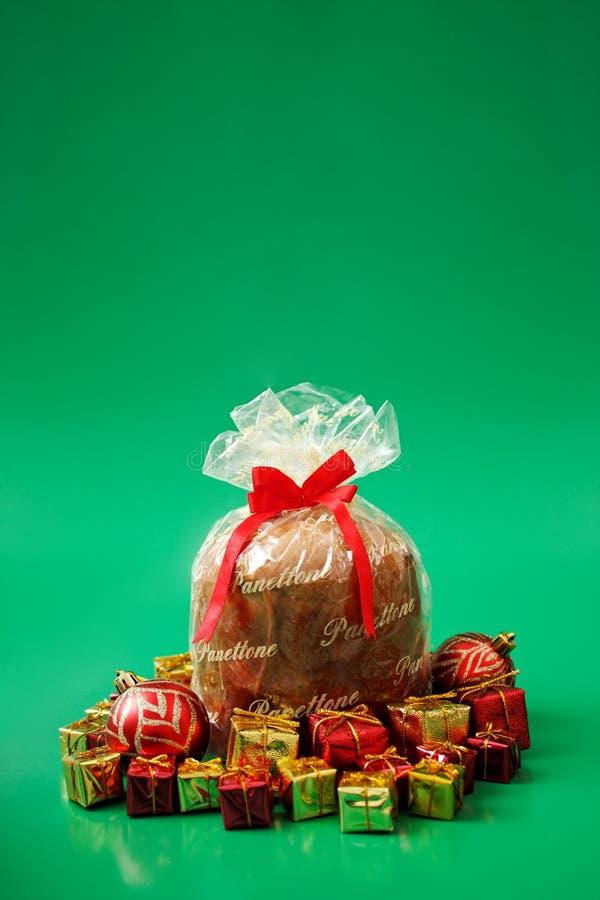 Download Panettone foto de stock. Imagem de ouro, xmas, ornament - 26504796