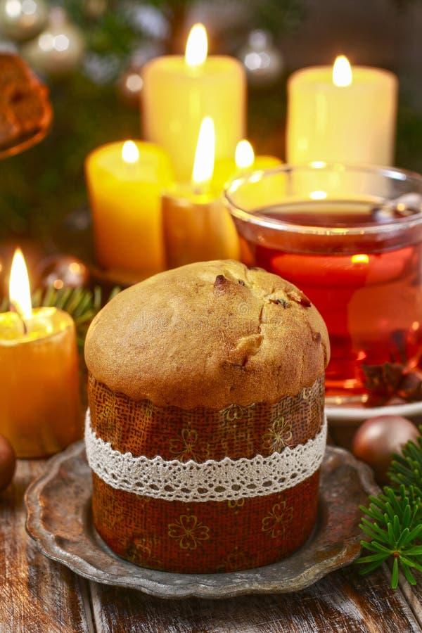 Panettone - torta italiana de la Navidad foto de archivo