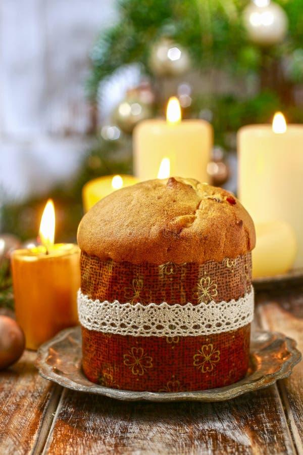 Panettone - torta italiana de la Navidad fotos de archivo