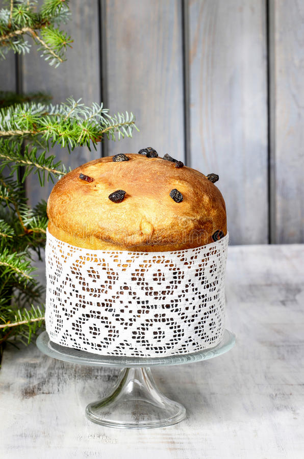 Panettone - torta italiana tradicional de la Navidad fotografía de archivo