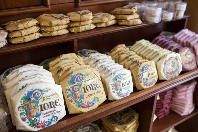 Panforte W Siena sklepie spożywczym zdjęcia stock