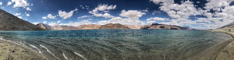 Pangong湖全景视图  库存照片
