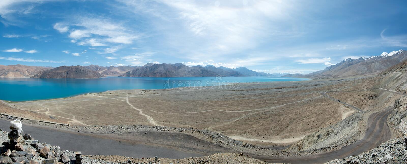 Pangong See in Ladakh, Indien lizenzfreie stockfotos