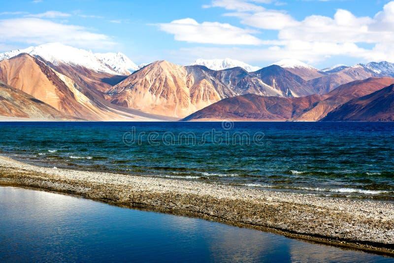 Pangongtso Meer in Ladakh, India stock foto