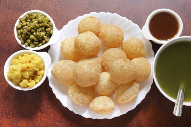 Pani Puri, indio Chaat, comida de la calle, bolas del agua imagen de archivo libre de regalías
